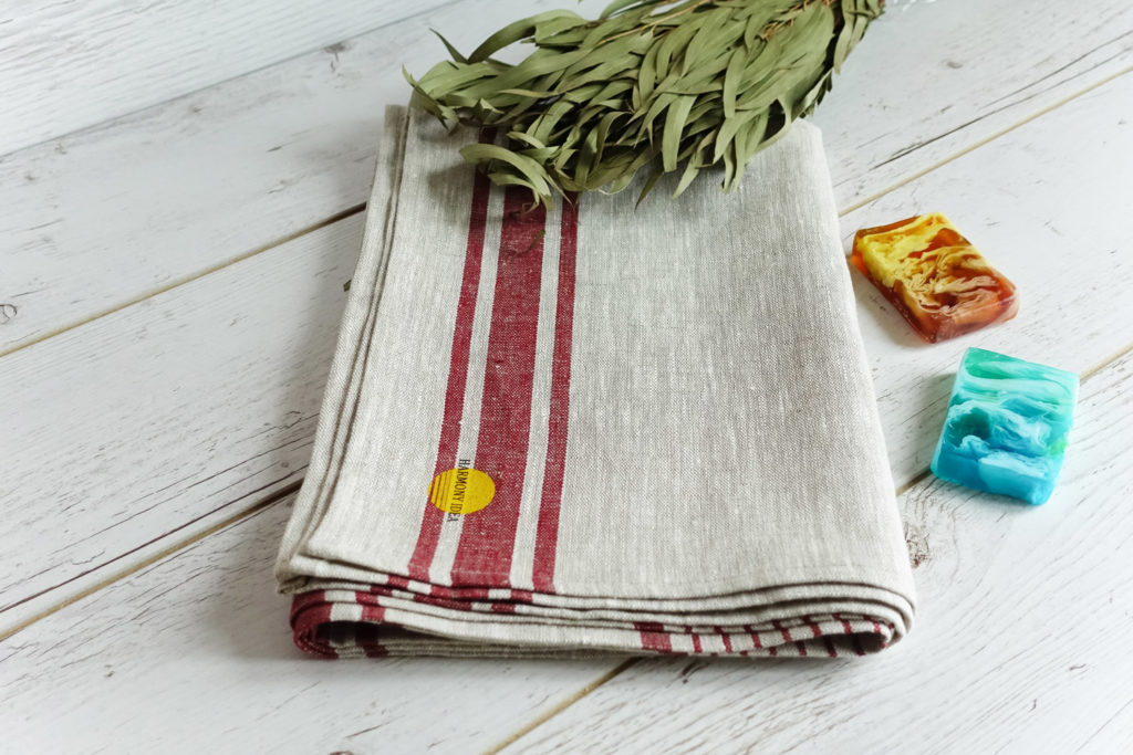 Linen bath towel in cherry striped